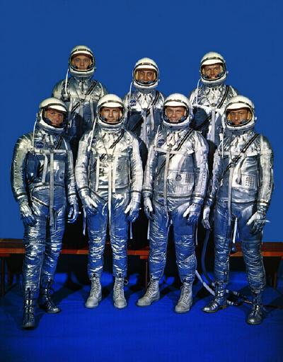 فضانوردان اصلی پروژه مرکوری در لباس های فضایی شان