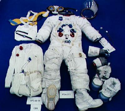 لباس فضایی نیل آرمسترانگ، آپولو 11