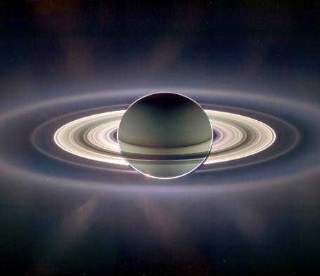 سیاره زحل از دید فضا پیمای کاسینی